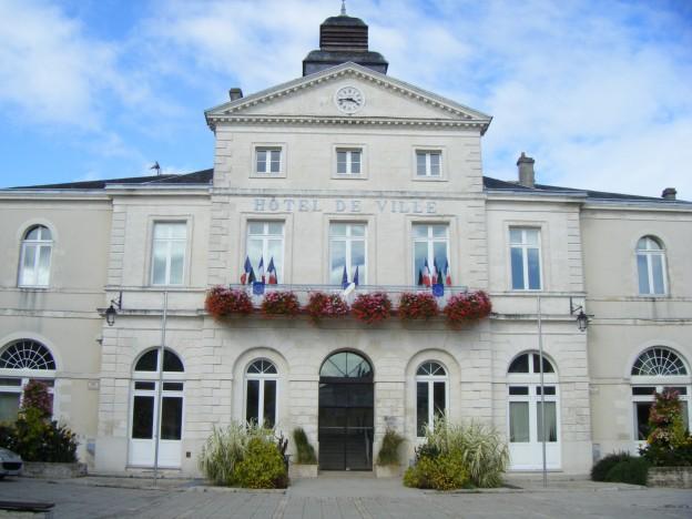 Parvis de la mairie Ruffec